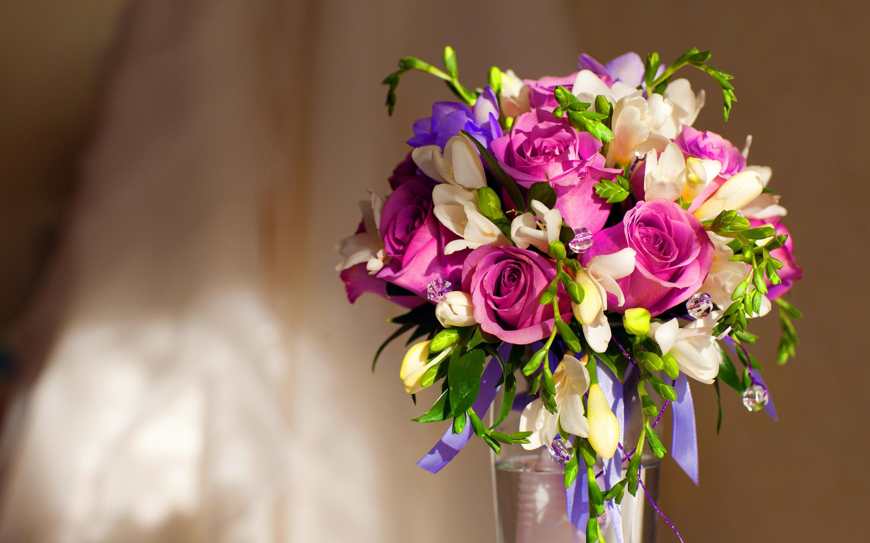 violet roses bouquet