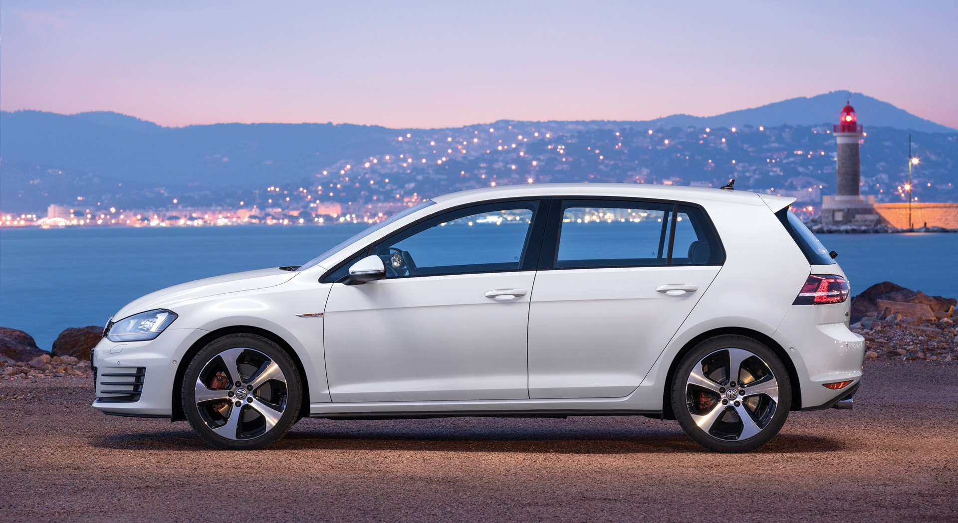 volkswagen golf amazing
