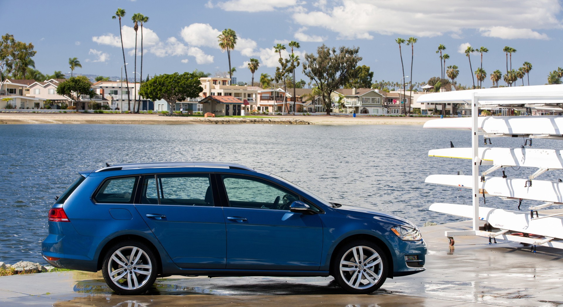 volkswagen golf sportwagen beach time