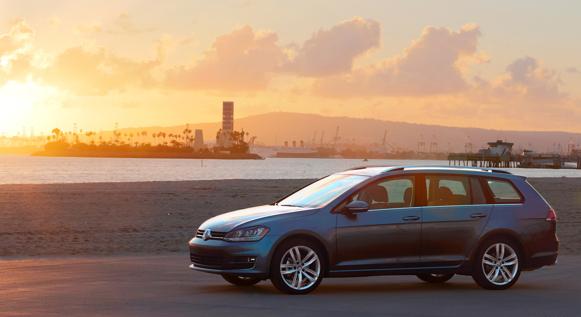 volkswagen golf sportwagen sunset
