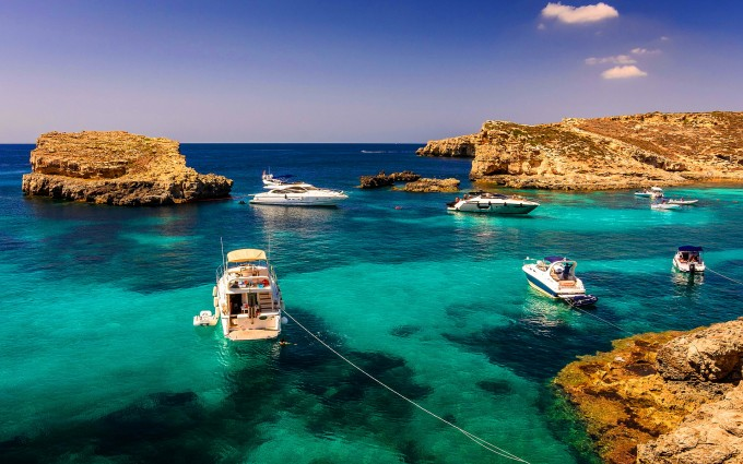 boats turquoise water