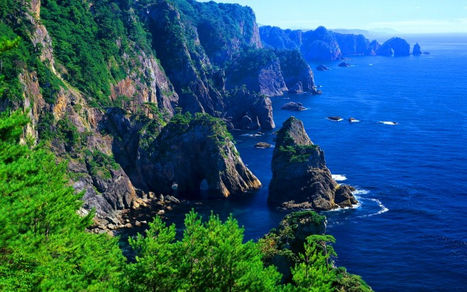 cliffs of moher shore ireland