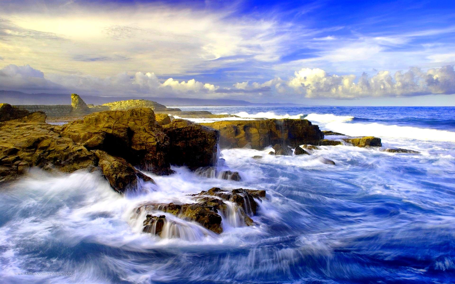 crashing waves wallpaper beach