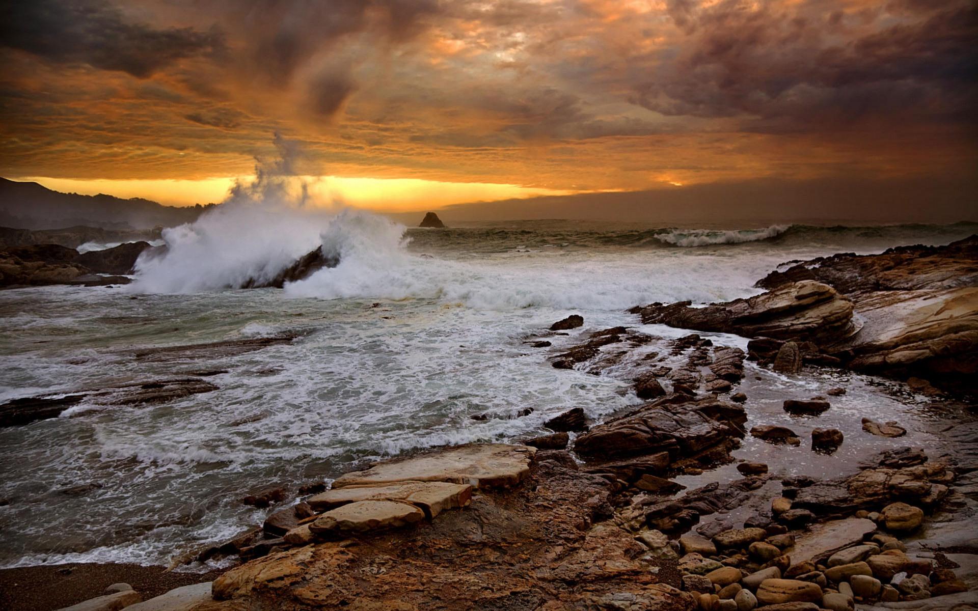 crashing waves wallpaper evening