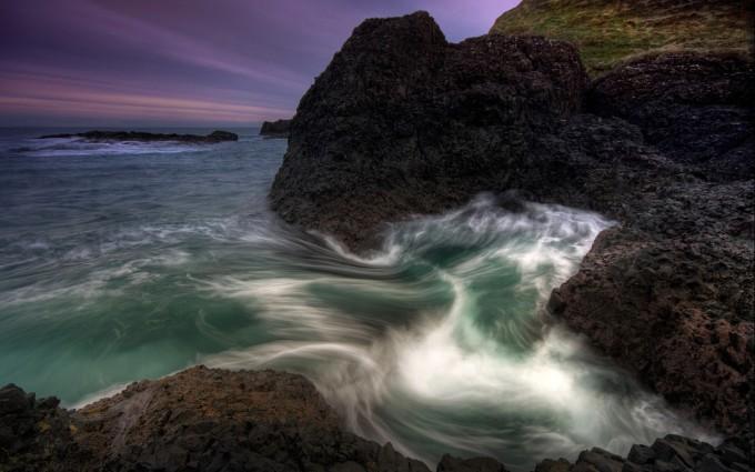 crashing waves wallpaper rocks