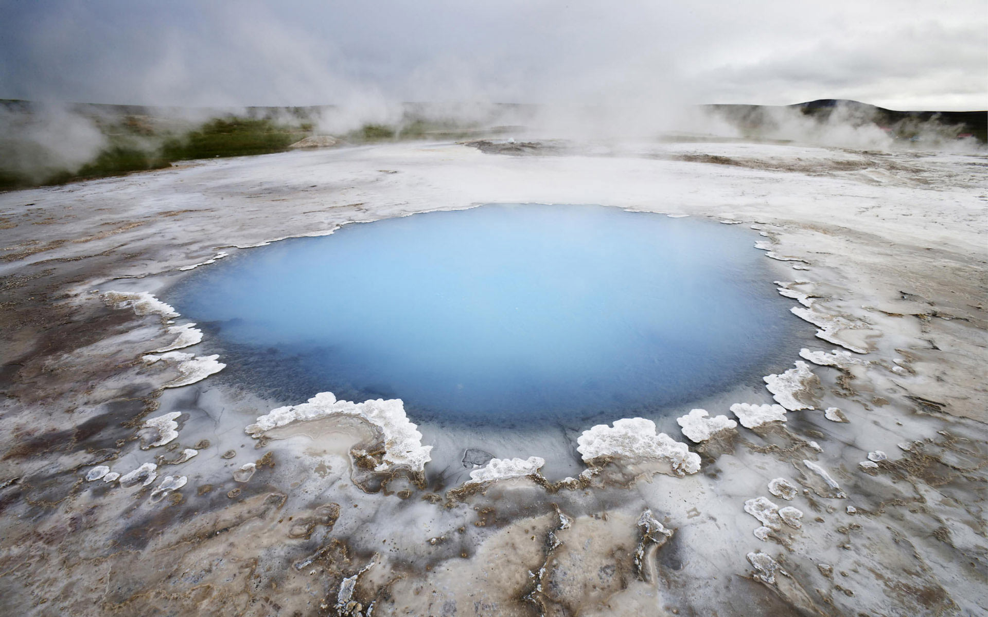iceland wallpaper pond
