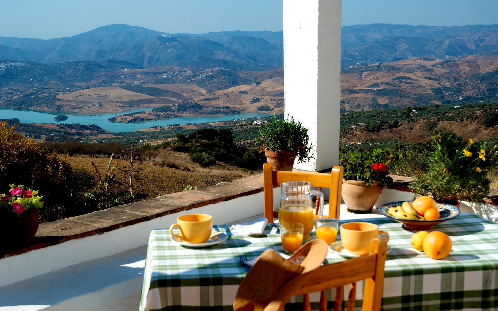 landscape breakfast
