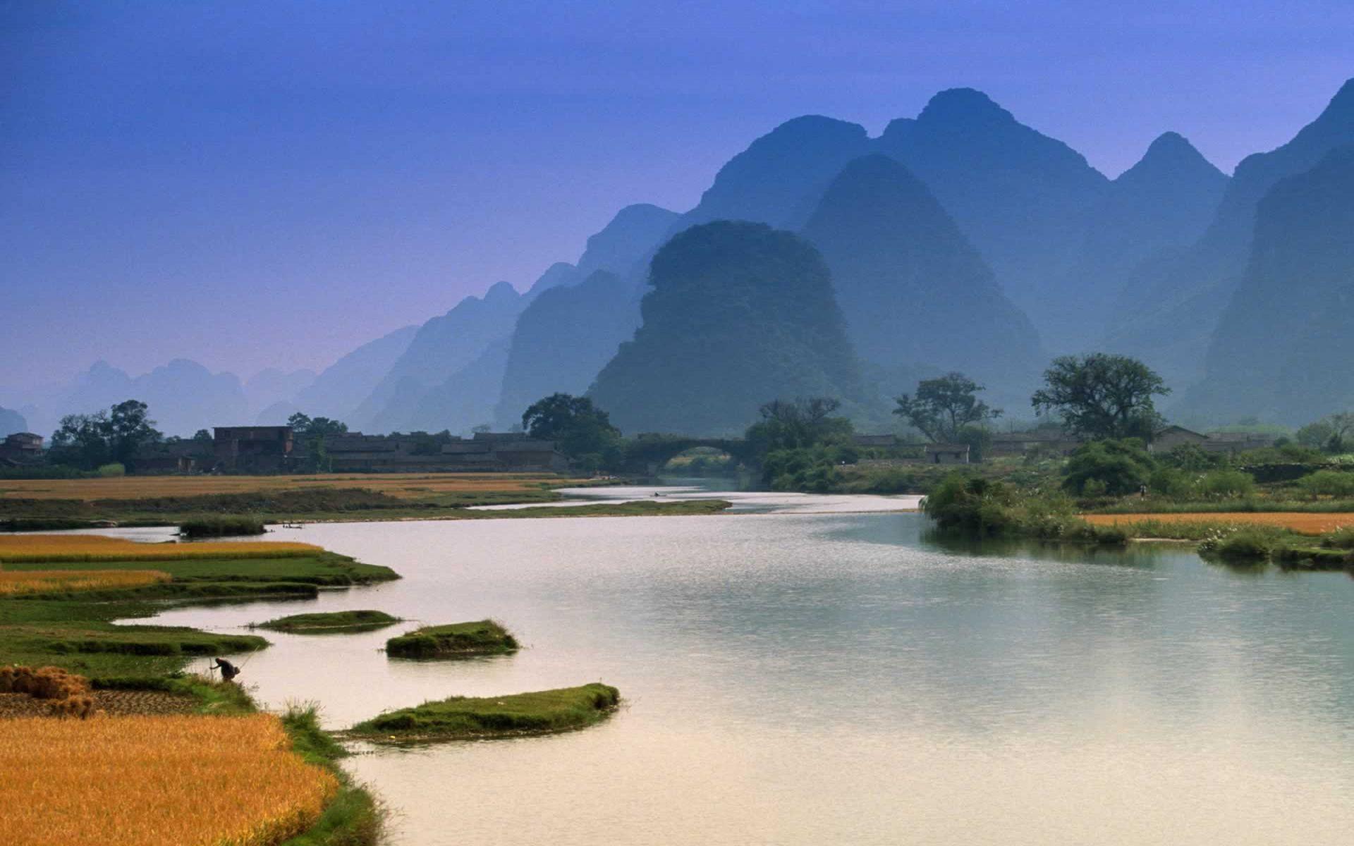 mountain photos river