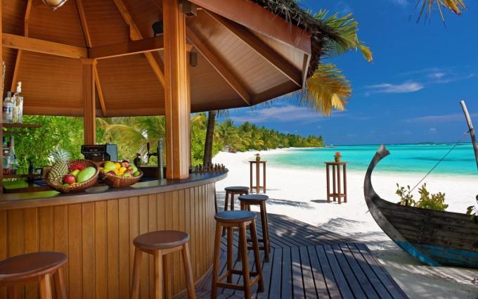 tropical bar wallpaper