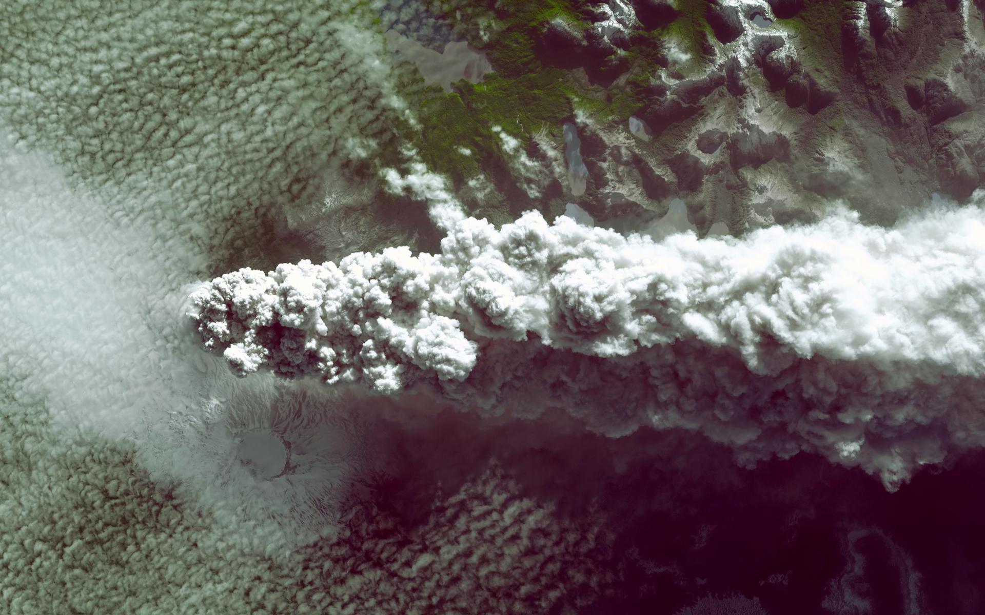 volcano smoke