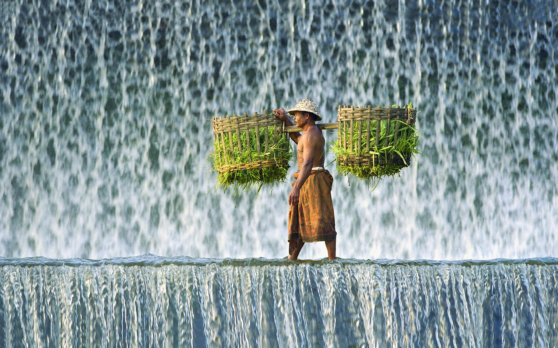 waterfall wallpaper creative