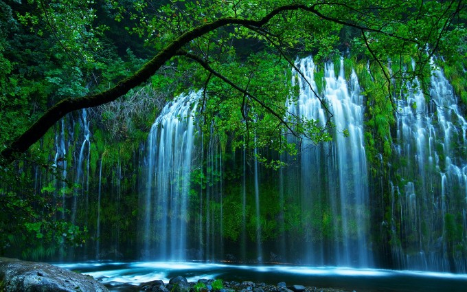 waterfalls pictures pretty