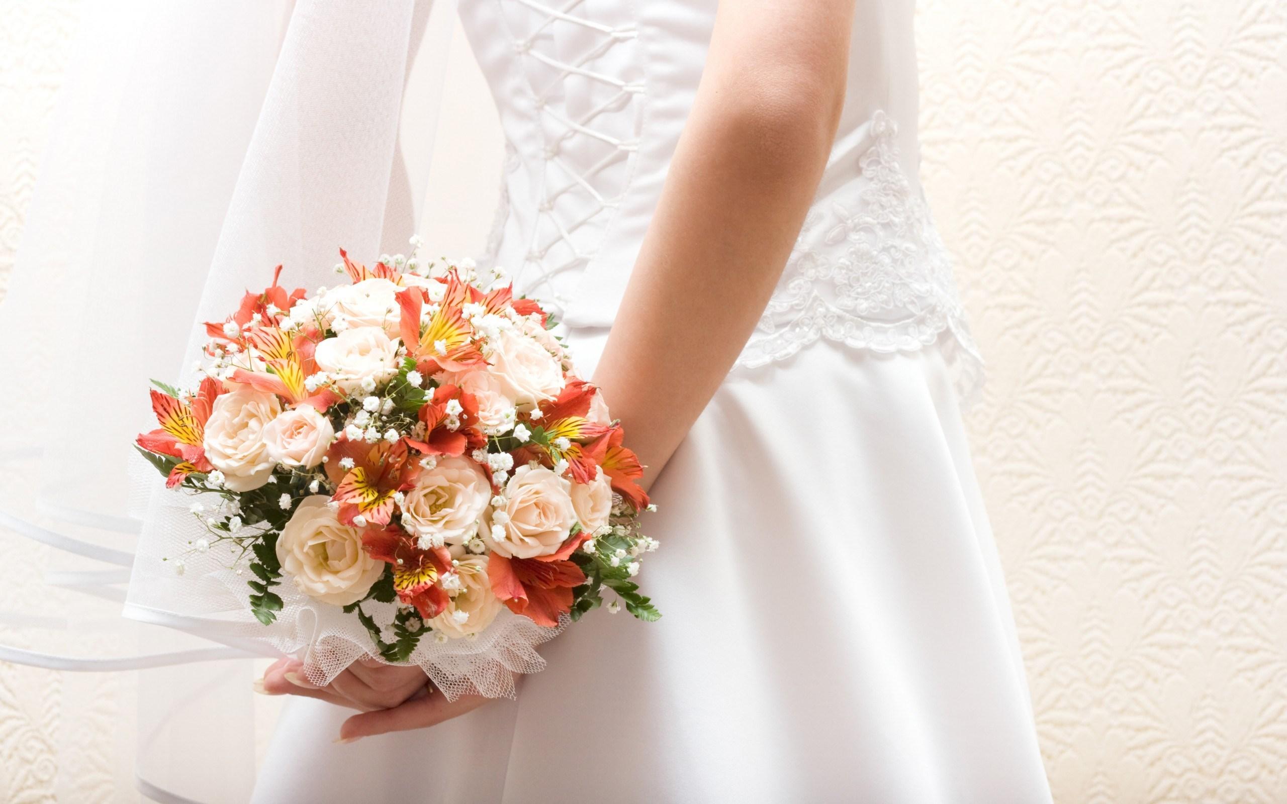 bride dress flowers bouquet