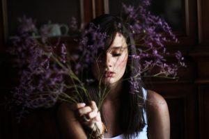 mood girl brunette flowers