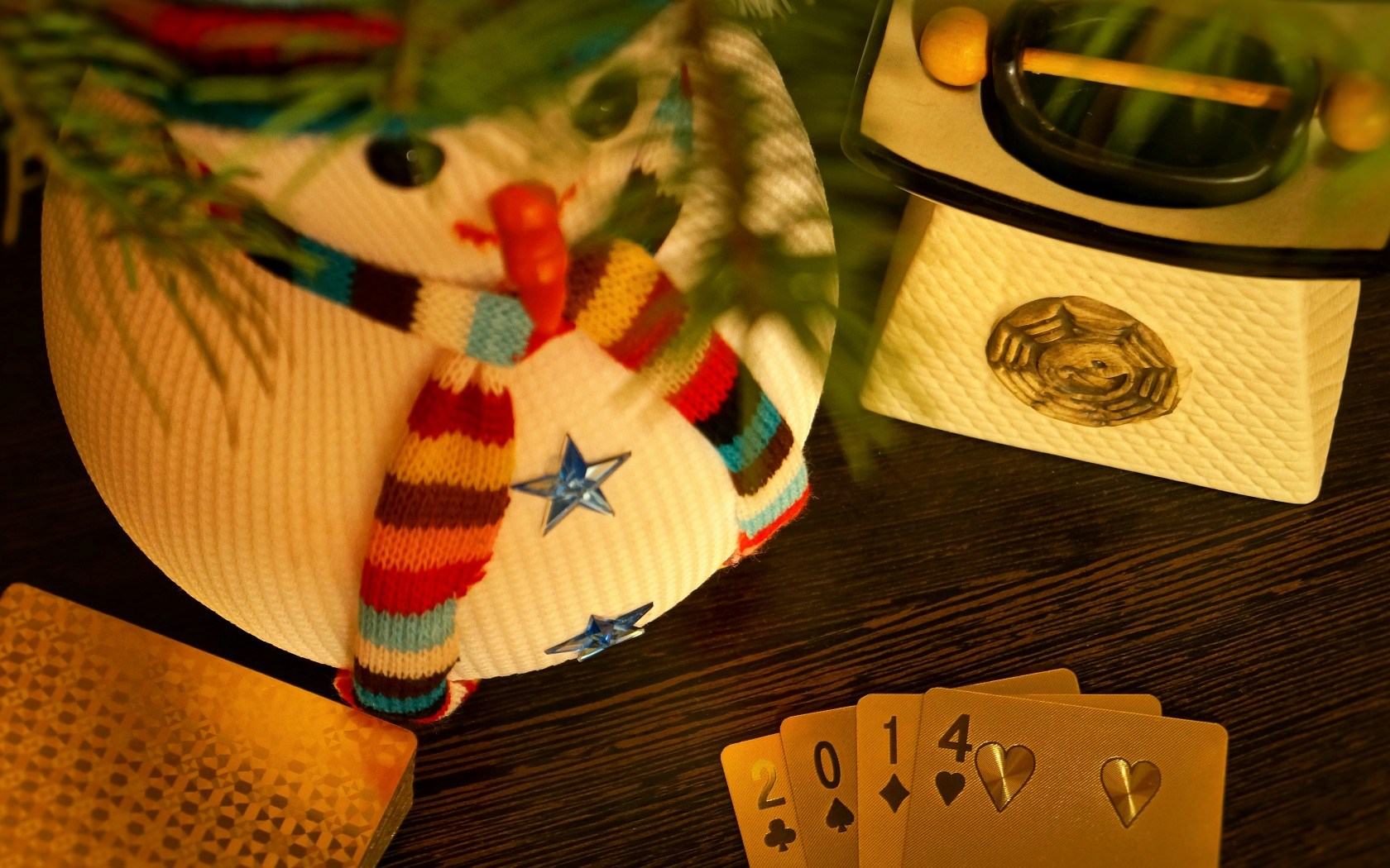 poker game gold luxury snowman