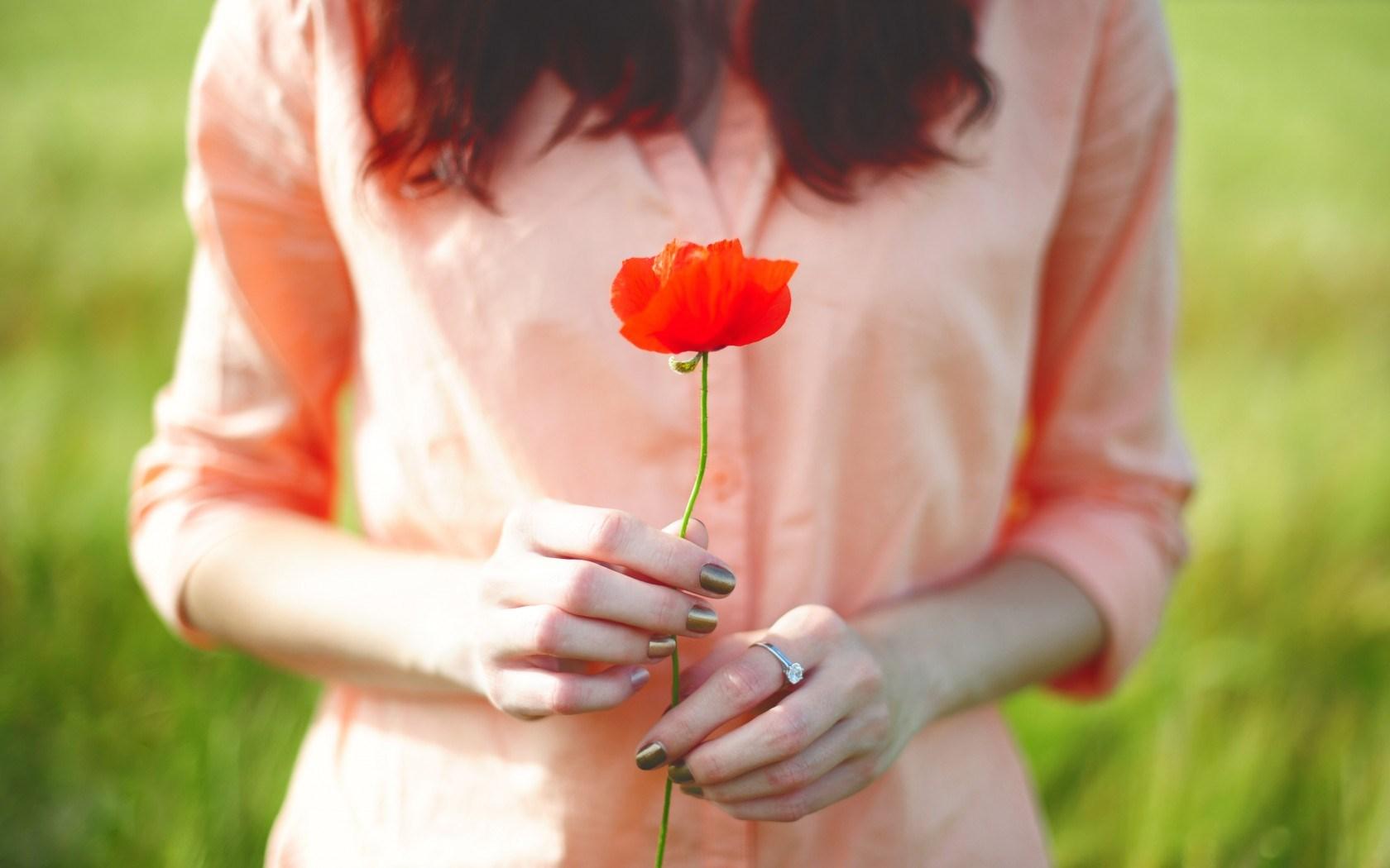 poppy backgrounds girl