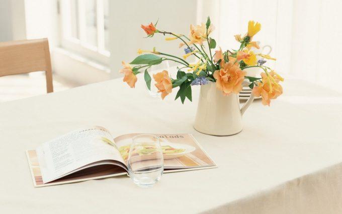 vase flowers magazine