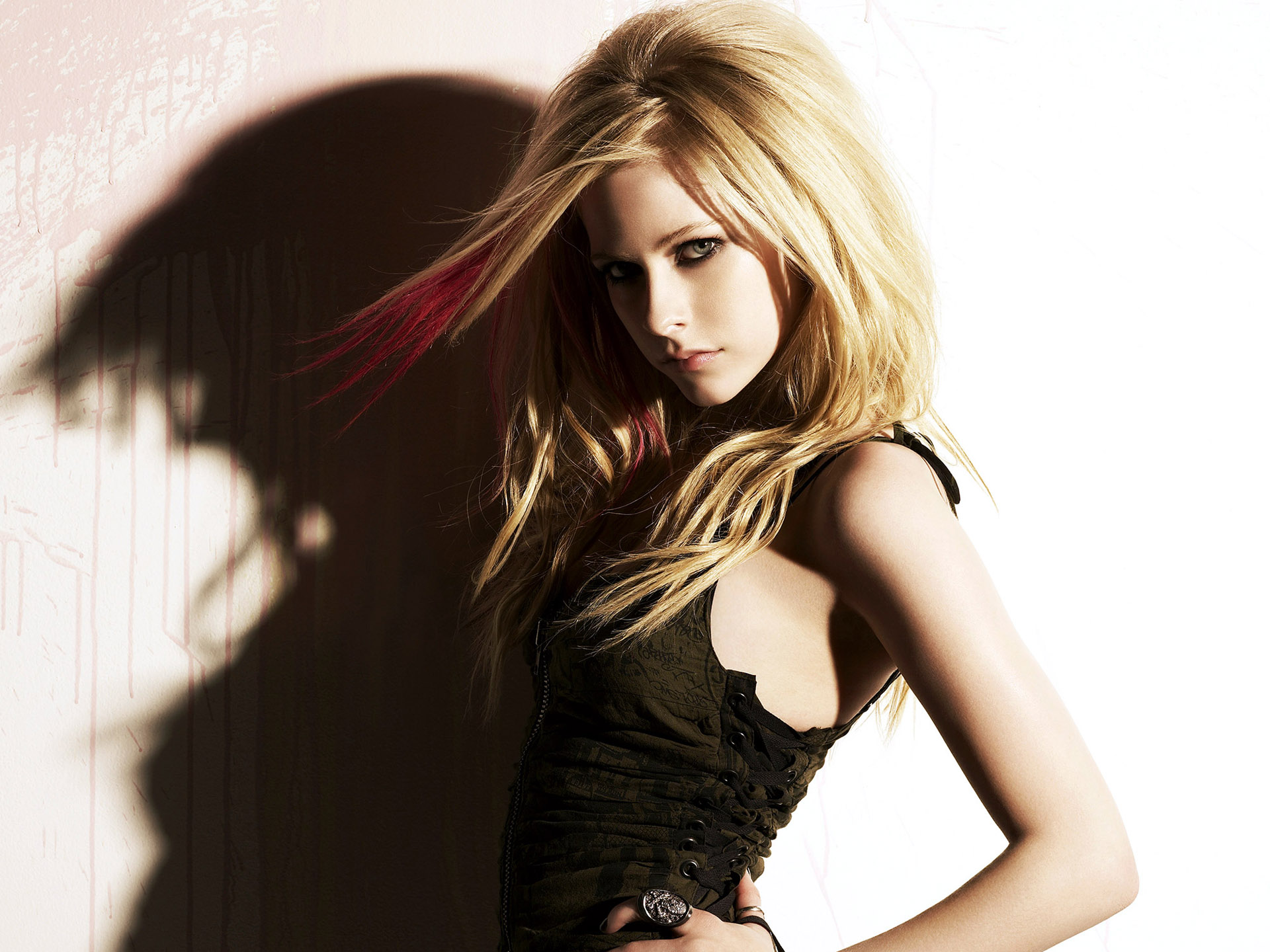 Avril Lavigne Wallpapers eyes