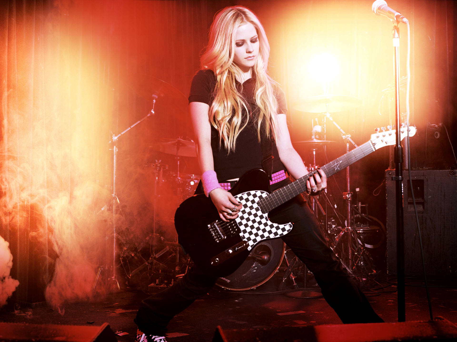 Avril Lavigne Wallpapers guitar stylish