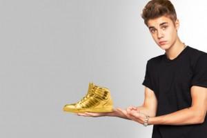 Justin Bieber wallpapers golden shoes