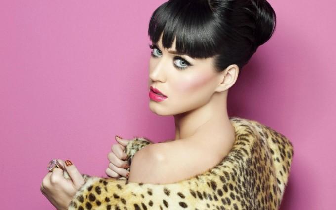 Katy Perry Wallpaper leopard dress