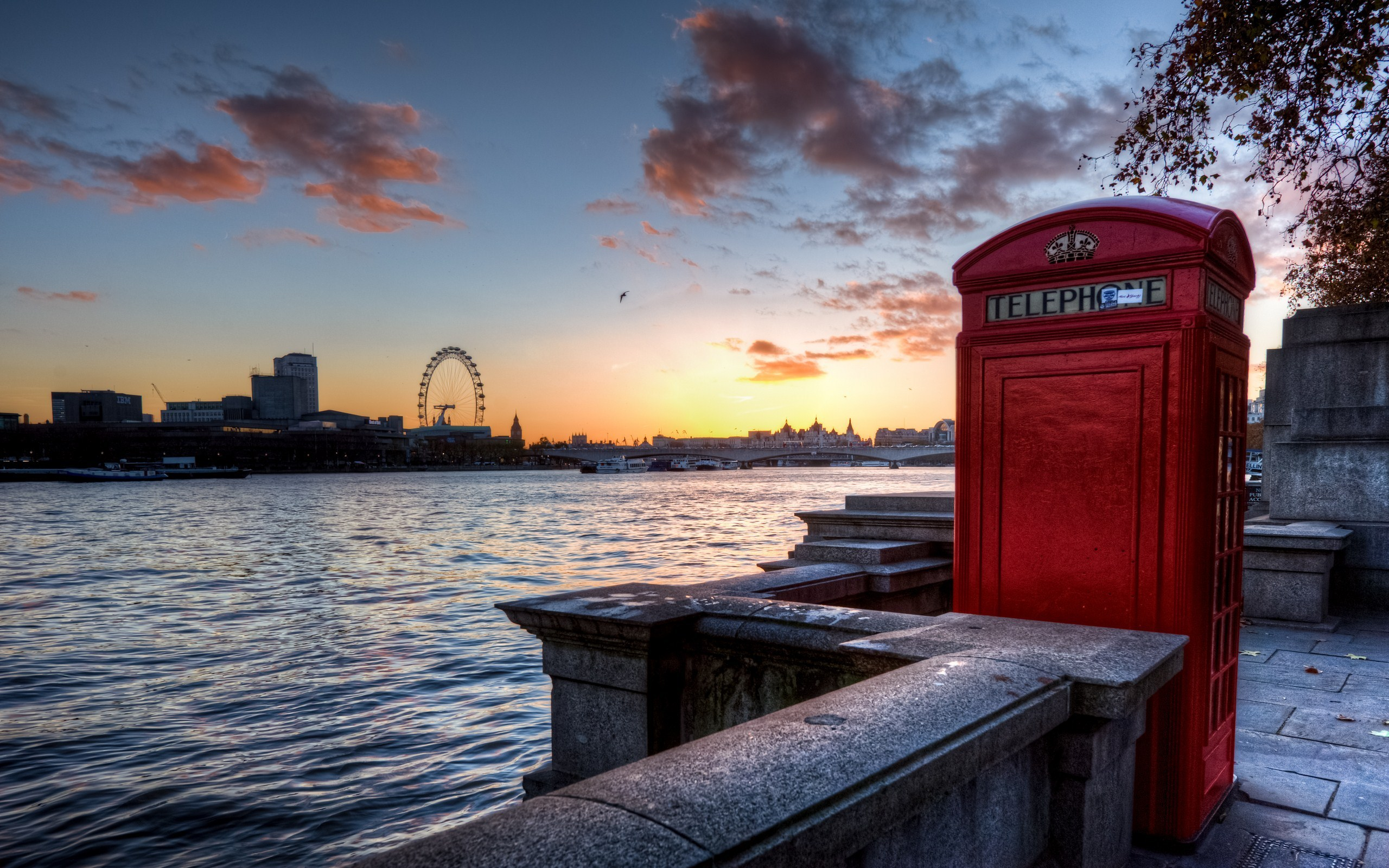 London Wallpapers HD phone booth