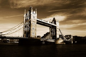 London Wallpapers bridge brown