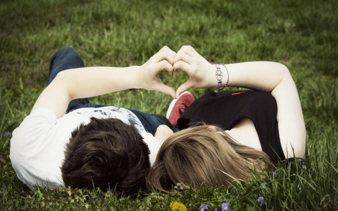 Romantic Wallpapers HD A7 - Free Romantic Wallpapers, Romantic Couples, Romantic Love Wallpapers, Romantic Kiss Wallpapers, high definition desktop laptop mobile background Pictures images downloads.