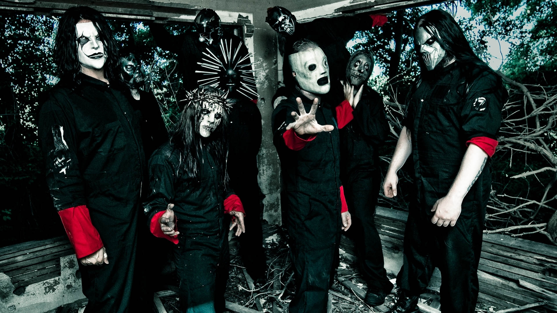 Slipknot Wallpapers HD band in black shirt