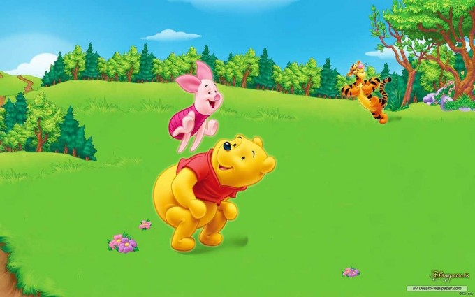Winnie The Pooh Wallpapers HD playing
