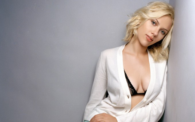 scarlett johansson wallpapers HD sexy white coat