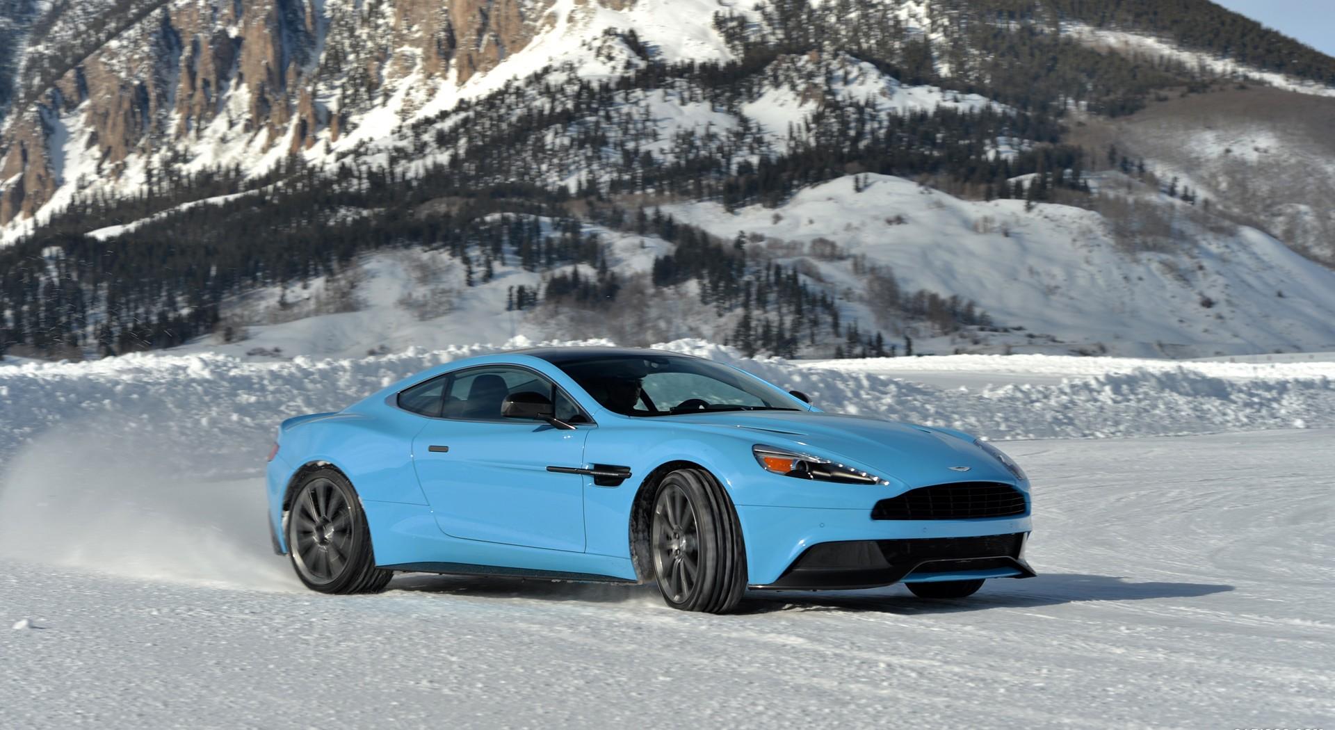 Aston Martin Vanquish Wallpapers blue A2