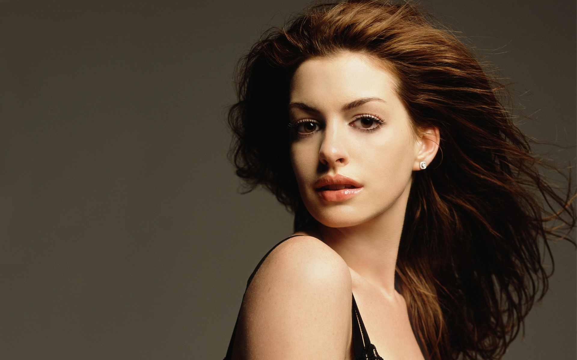 anne hathaway wallpapers hd A5