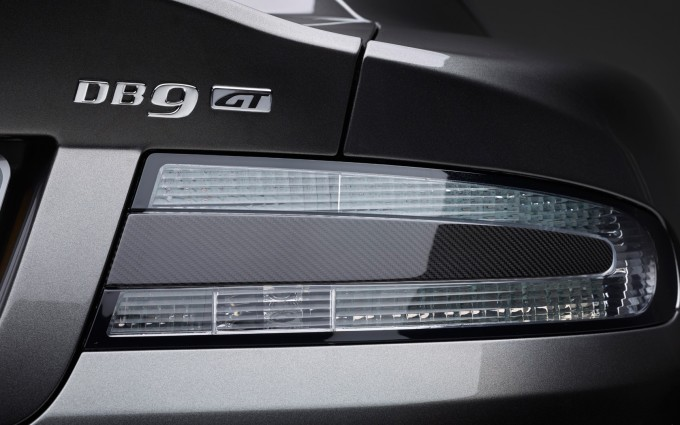 astin martin db9 wallpaper tails