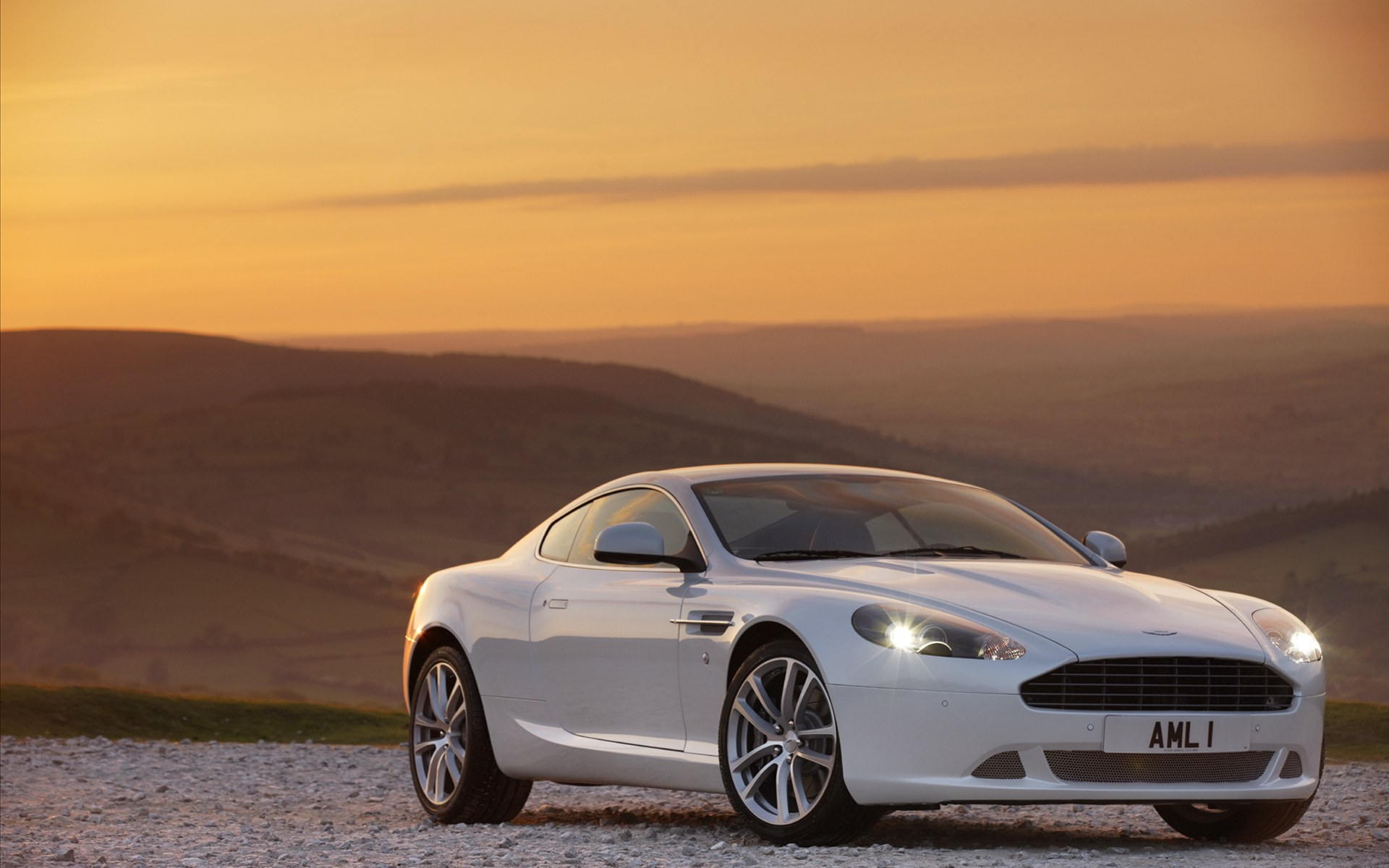 astin martin db9 wallpaper white scene