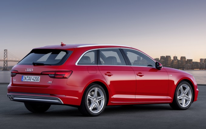 audi a4 avant red side2