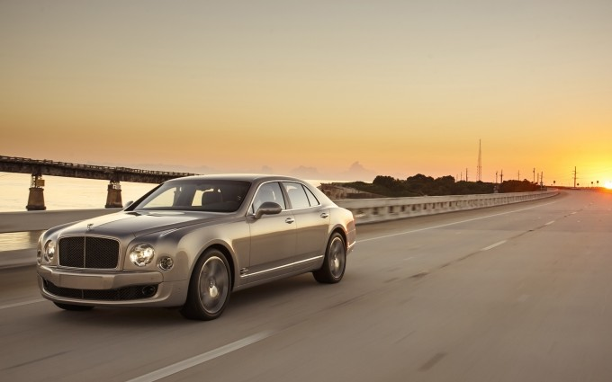 bentley mulsanne sunset