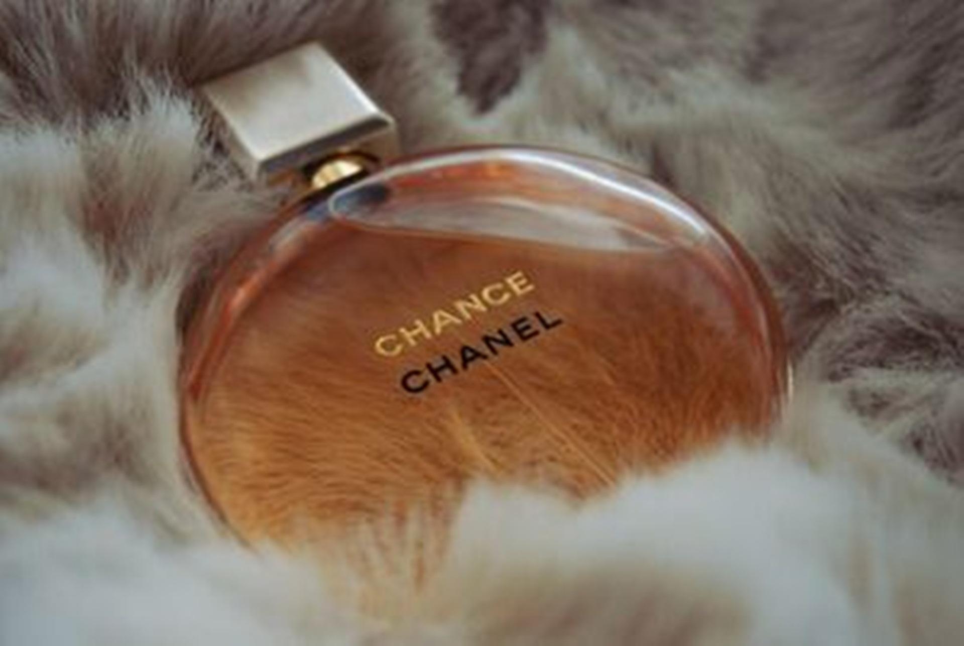 chanel perfume wallpaper HD