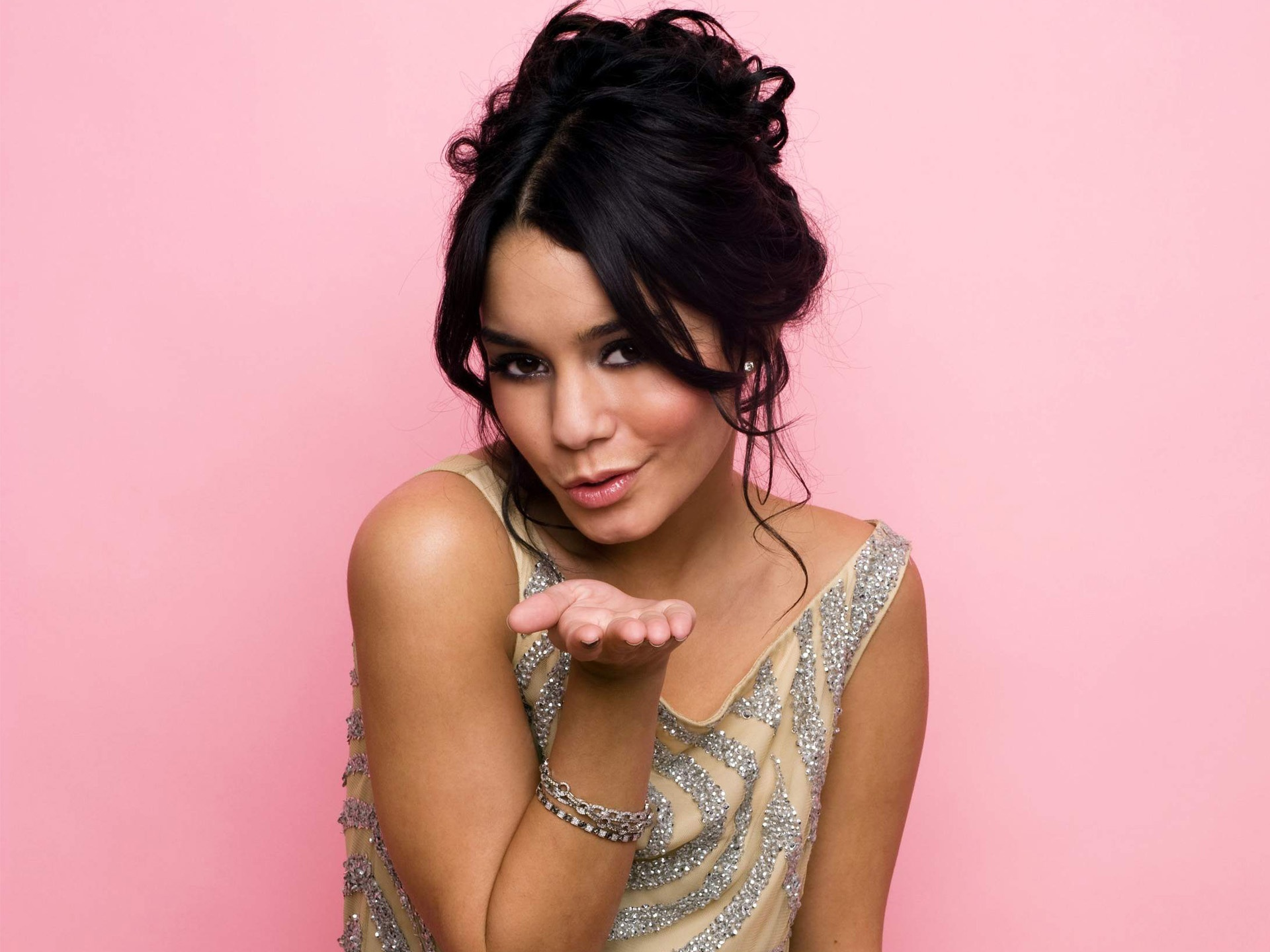 vanessa anne hudgens wallpapers hd A13