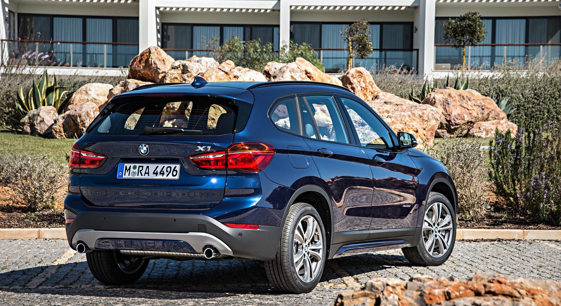 bmw x1 blue rear