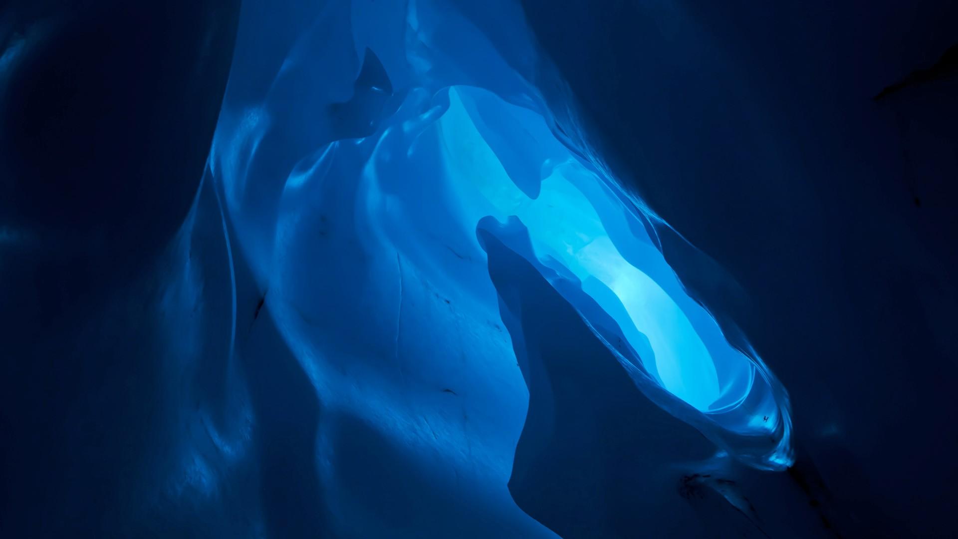 cool iceberg background