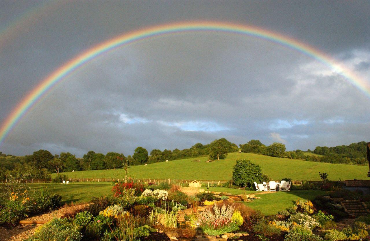 free wallpaper rainbow