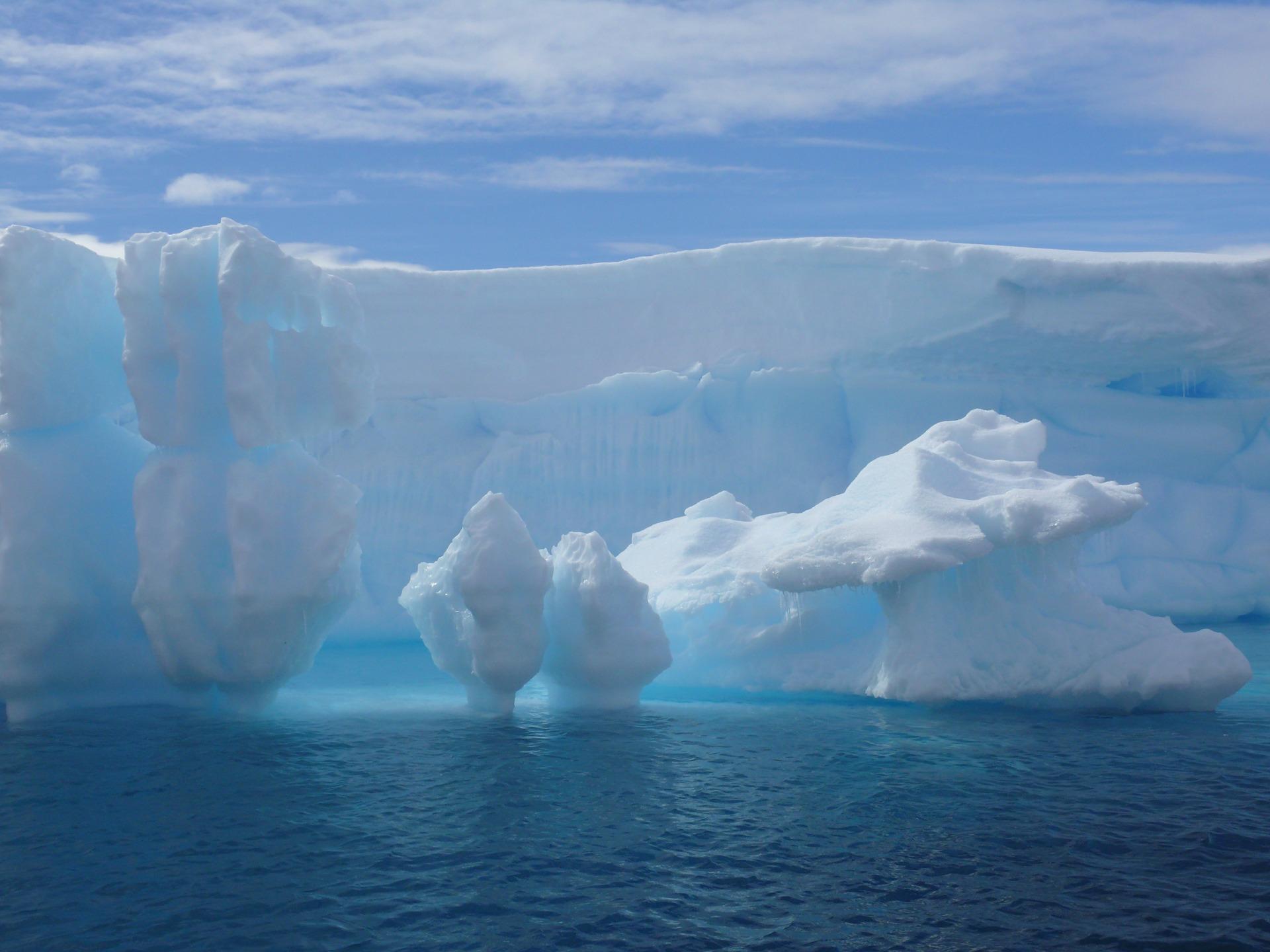 iceberg wallpaper frozen