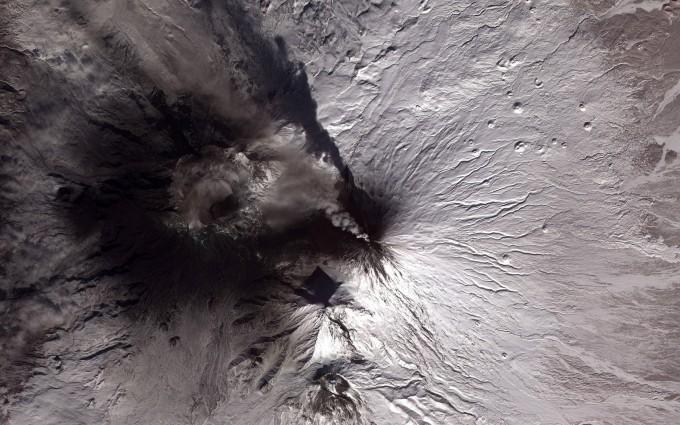 volcano wallpaper smoke