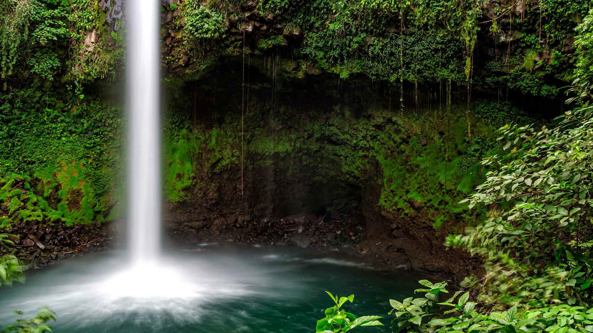 waterfall costa rica wallpaper